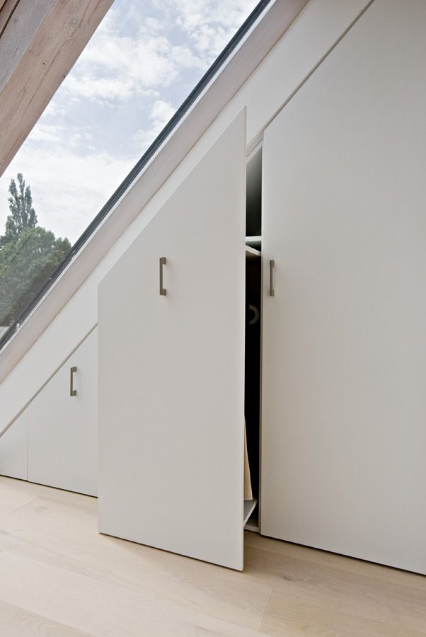 OOOOX | CESKE DRUZINY - built-in attic wardrobe