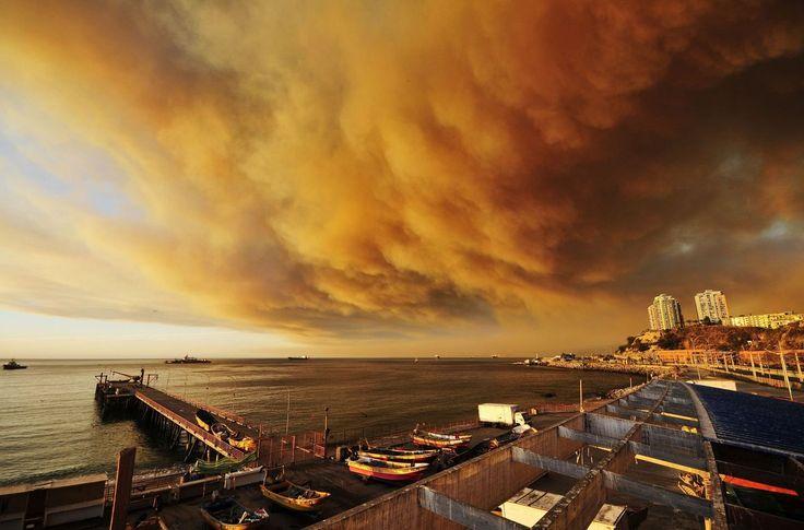 Las impresionantes imágenes del incendio de Valparaíso, en Chile (FOTOS)