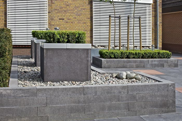 Oud hollandse stapelblokken antraciet 700 467 voortuin muurtje pinterest met - Tuinuitleg met grind ...