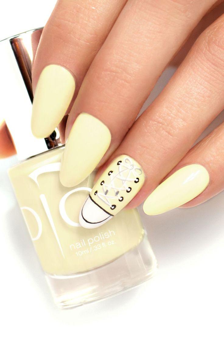 Lemon Ice Lakier do paznokci od Pauliny Walaszczyk Indigo Educator #lemon #ice #nailpolish #gelpolish #yellow #nails #sneakers