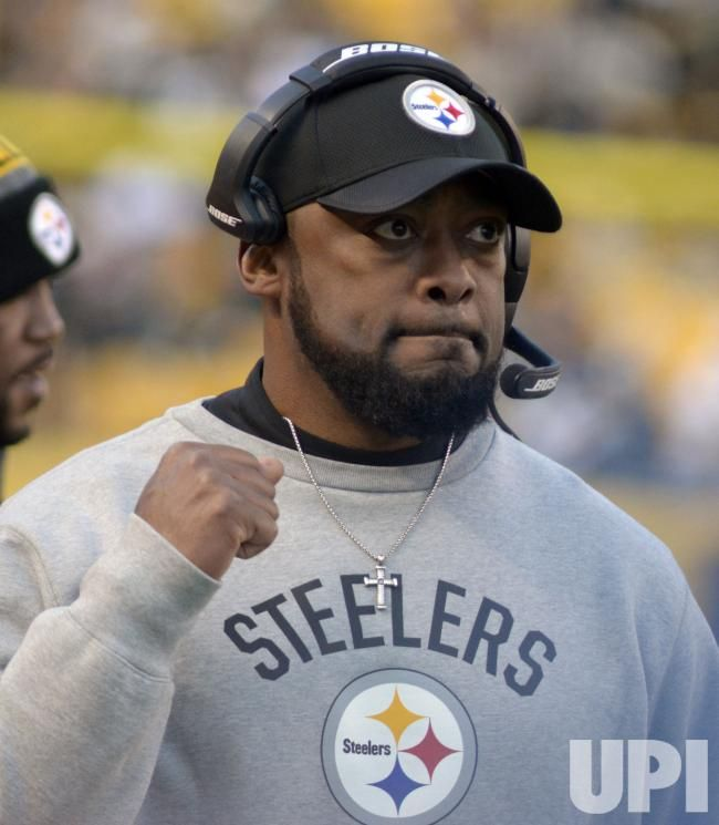 Pittsburgh Steelers Head Coach Mike Tomlin During Overtime: Pittsburgh Steelers head coach Mike Tomlin reacts to the play during overtime…
