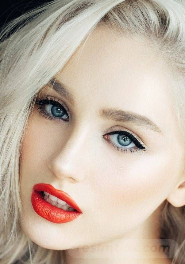 Pin By Maria Kersting On Rosto Normal In 2020 Beautiful Lips Beautiful Blonde Stunning Eyes
