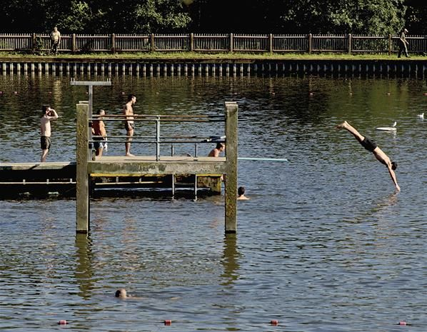 36 best theme highgate ponds london images on pinterest ponds water feature and dip for Hampstead heath park swimming pool