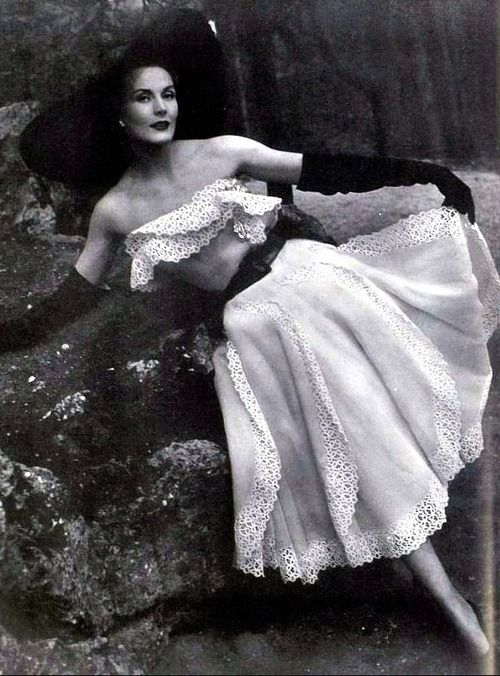 Strapless Garden Party Dress by Jacques Fath <3 1951