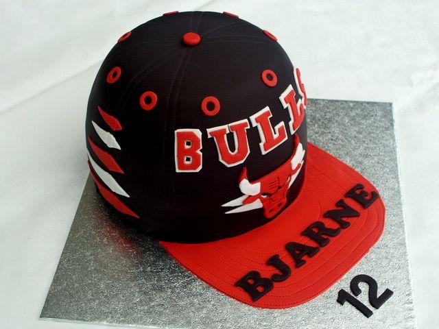 Chicago BULLS cake.
