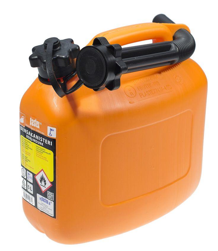 Oranssi bensakanisteri näkyy metsässä! Valmistettu Suomessa