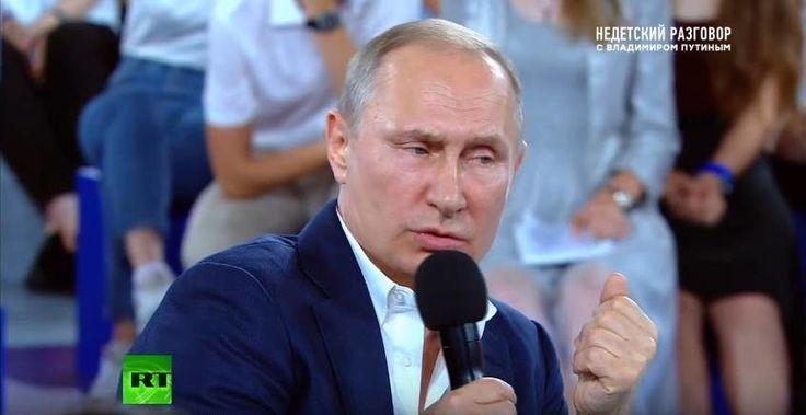 Vladimir Poutine répond pendant près de 3 heures aux étudiants sur les questions qu'ils se posent. De l'économie à l'artistique en passant par des points de détails, Vladimir Poutine exprime sa vision aux forces vives de son pays en les...
