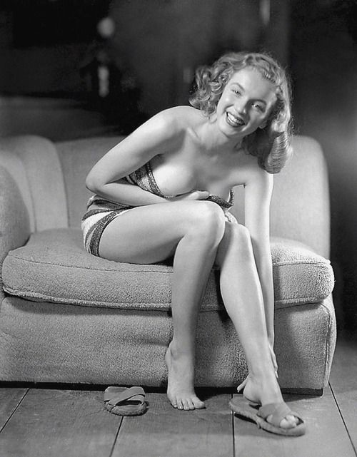 1947: Marilyn by Earl Moran.   Earl Steffa Moran (December 8, 1893 – January 17, 1984), born in Belle Plaine, Iowa, was a 20th Century pin-up and glamour artist.