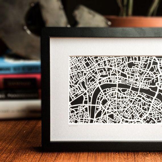 Paper cut map of London, UK | 4x6