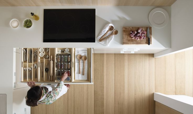 SANTOS kitchen | Santos avoids doors in the base units, instead it uses three levels of drawers. This system provides a panoramic view of what is inside the drawers.
