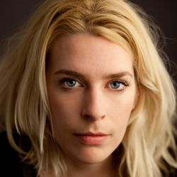Sara Pascoe live at Colchester Arts Centre 27/11/14