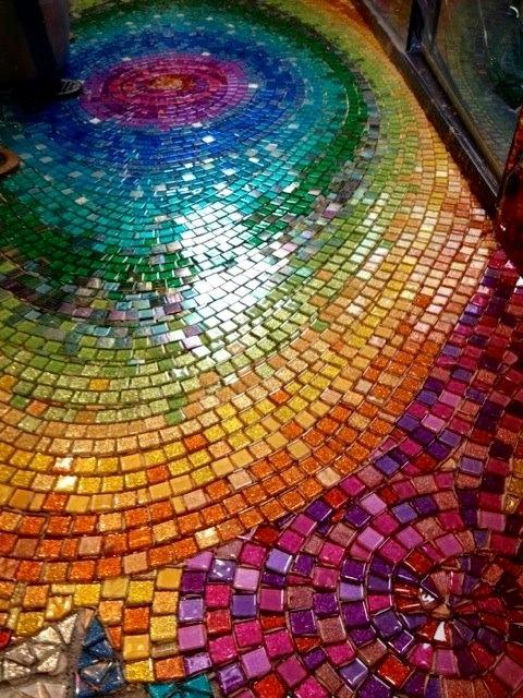Looks Klimtonian! Love it! Glass tiles shining