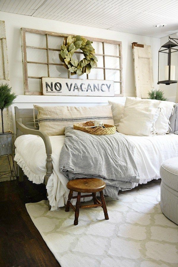 25 best ideas about day bed on pinterest daybeds ikea small double bed and daybed room for How to decorate spare bedroom