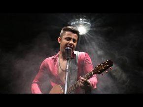 Cristiano Araújo - É com ela que eu estou (DVD in The Cities) [Vídeo Oficial] - YouTube