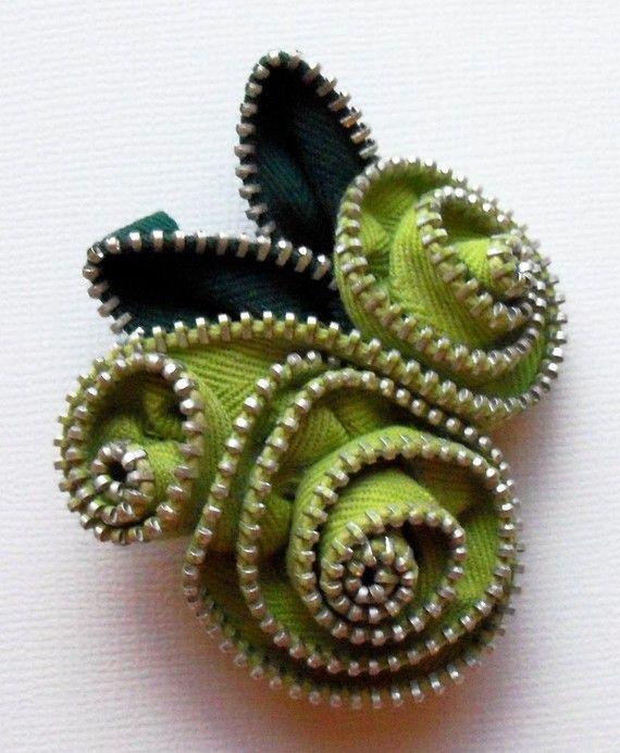 Chartreuse Broche floral / Zipper botón por ZipPinning 1576