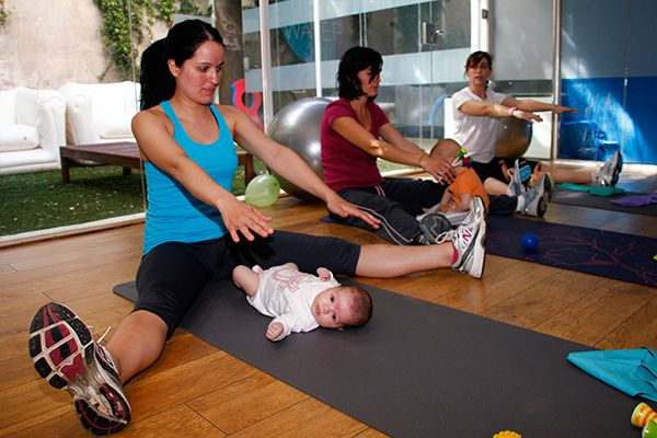 ¿Sabes que en #bewater puedes practicar pilates con tu bebé?  llámanos y te daremos más información ☎912772228610183433