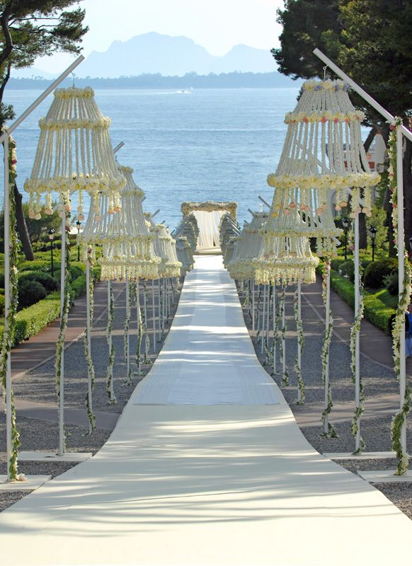 Outdoor Ceremony Aisle Markers | Inspirations