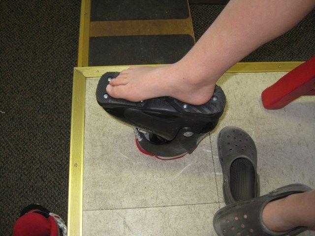 fitting ski boots and keeping feet warm / Brave Ski mom