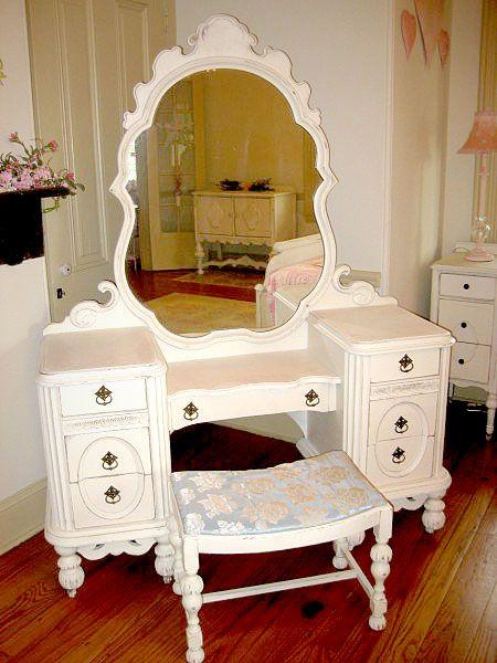 diy vanity for little girl.  girls vanity princess bedroom 112 best Girls Room Design images on Pinterest Girl rooms