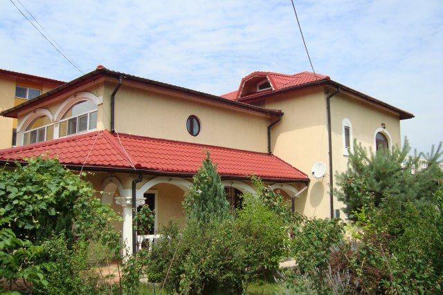 Prelungirea Ghencea – str. Funigeilor – Drumul Ghindarilor, vanzare vila deosebita 6 camere, construita in stil brancovenesc cu arcade, stucatura, P+1+M, constructie 2008, suprafata construita 400m…