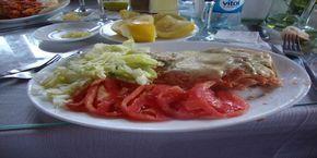 Esta es la Receta tradicional Chilena de Cancato de Salmón al horno, un sabroso plato típico del sur de nuestro país.