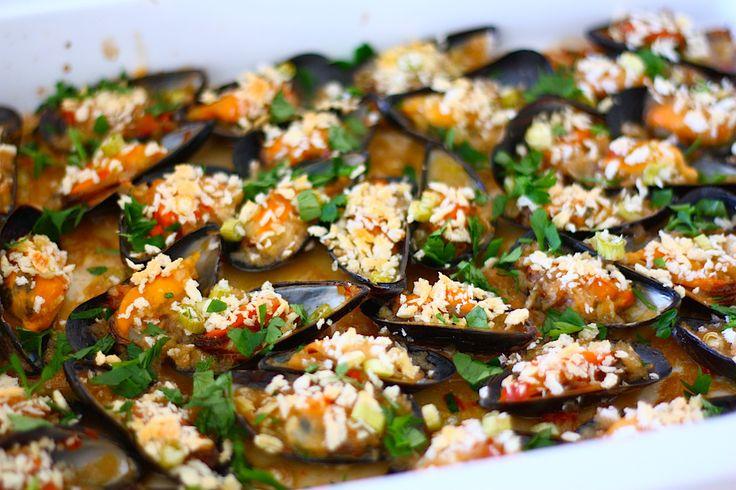 Gegratineerde mosselen met oestersaus en chili - Francesca Kookt