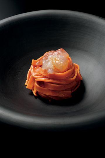 イタリア料理を宝石のように鑑賞する──ブルガリ初の料理写真集を発売|フード&レストラン|GQ JAPAN  http://gqjapan.jp/life/food-restaurant/20160921/bvlgari-la-cucina-di-luca-fantin#pages/6