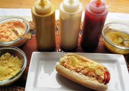 Colombian Hot Dogs (Perro Caliente Colombiano): Icolombian Recipes, Idea, Sauce Recipes, Pineapple Sauce, Sauces Recipes, Hot Dogs, Kid