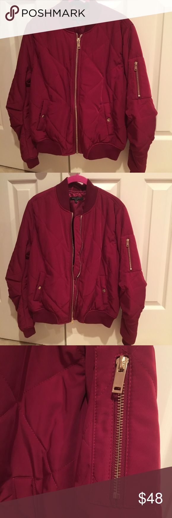 Romeo and Juliet Couture Bomber Jacket Red Wine L NWOT! Never worn. Quilted bomber jacket in fall's fabulous bordeaux wine red color. 😍😘💋 Romeo & Juliet Couture Jackets & Coats Utility Jackets