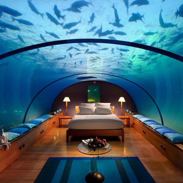 Aux Maldives, dormir sous l'océan Indien