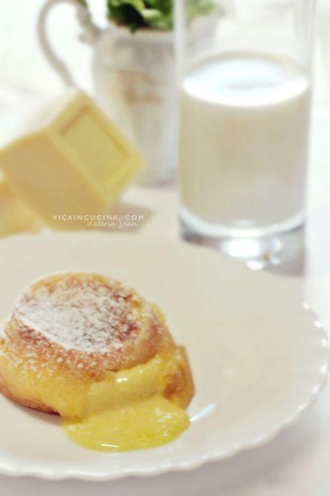 Tortini al cioccolato bianco con cuore morbido   White lava cake recipe   Blog @vicaincucina