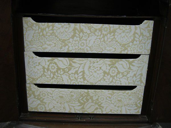 Such a stunning design for Drawer fronts. Find the perfect lace for your project and turn any piece into a work of art using Wood Icing® Textura Paste.