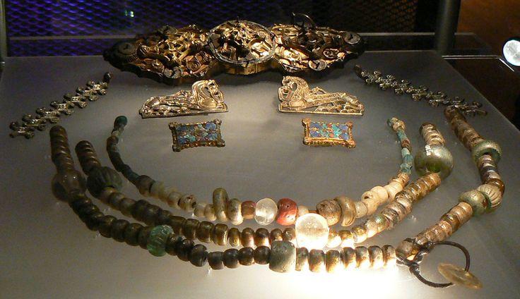 "Jewellery of ""Princess from Birka"""