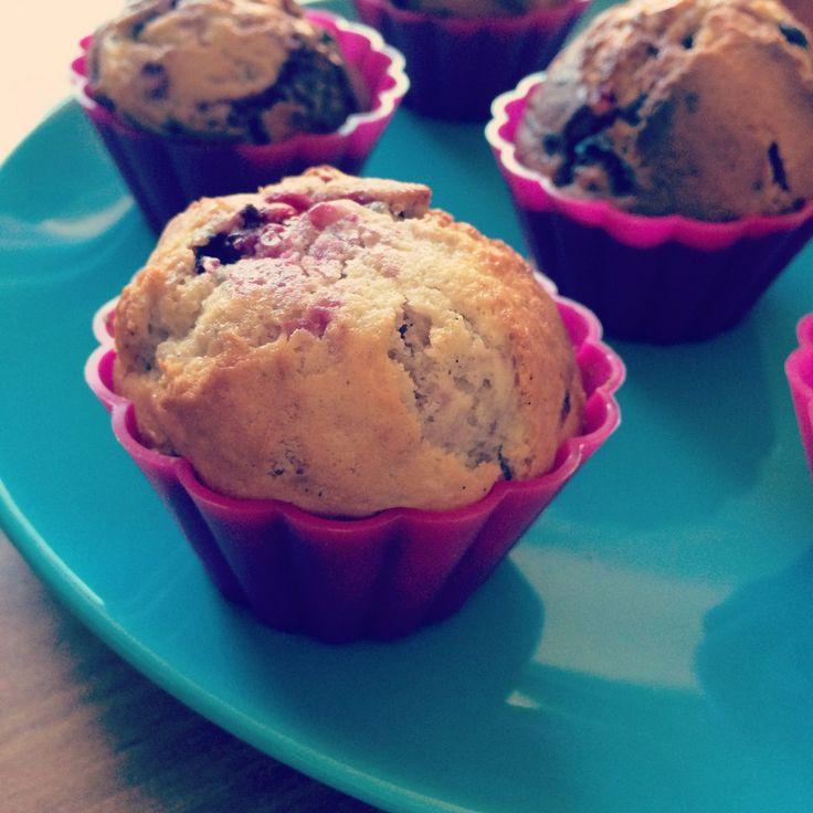 Saftige Himbeer Frischkäse Muffins. Himbeer MuffinsKuchen IdeenLecker ...