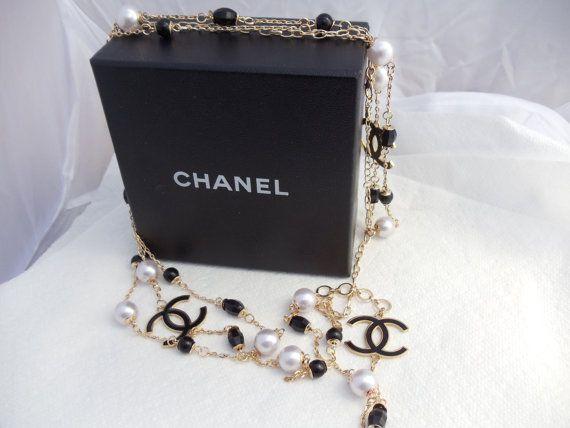 Hot Designer Necklace Flapper France Faux Pearl Gold Tone Hot Logo 71