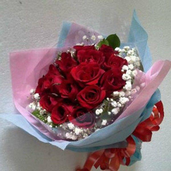 Handbouquet bunga mawar ulang tahun Jakarta, Handbouquet mawar merah ulang tahun, Handbouquet bunga mawar ucapan ulang tahun di Jakarta.