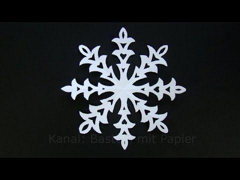 Passend zur Jahreszeit eine Idee wie man selber Schneeflocken mit Papier basteln kann. Für diese Eiskristalle braucht man nur Papier, Stift und Schere. Für d...