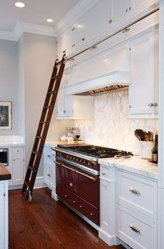 this is *perfect* for my 1930s kitchen... a ladder is totally on the list for the update (one day)!!