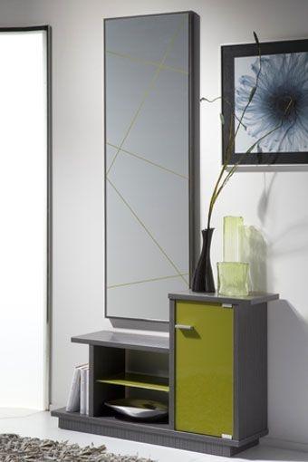 Ponga un toque de color con este recibidor en un estupendo estilo moderno. Se compone por espejo con un original y sencillo motivo en su superficie, mueble con repisa en cristal y puerta con tirador metálico. Disponible en tres combinaciones de colores: ceniza/pistacho, wengué/naranja y hueso/negro.