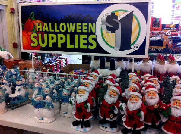 See, this is what happens when you try to rush Christmas. People get confused! 🎃🎅😆 #SignFail #humor #Halloween