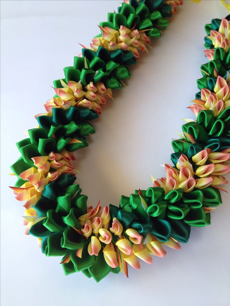Pulumelia with Tie reef (Ribbon Lei)Designed by Tr…