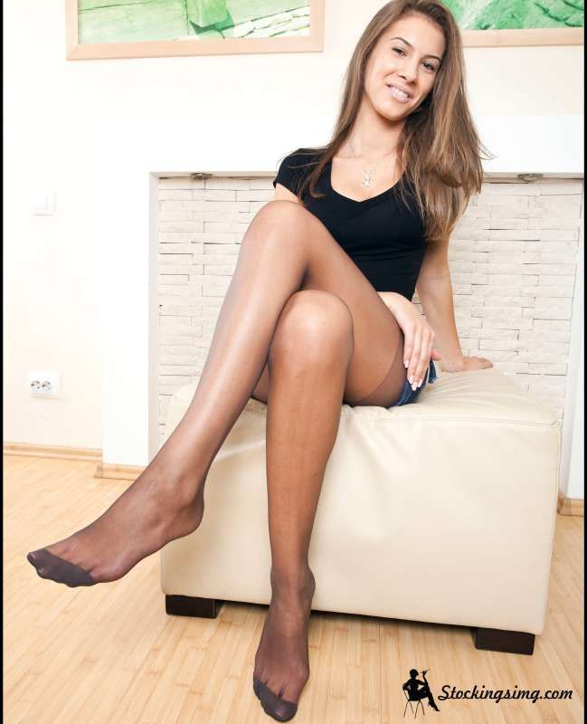 Girls in nylons