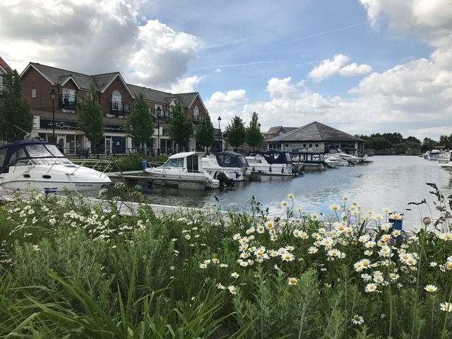 A home on the Water - homes for sale on Burton Waters in Lincoln #Lincoln #boating #travel #waterfront #rightmove