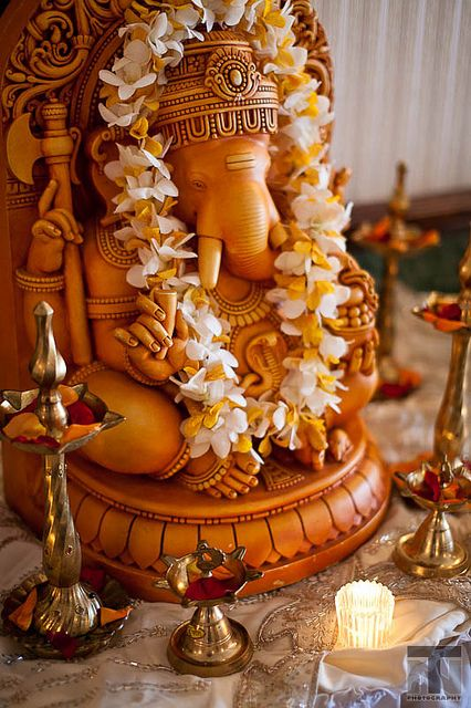 Ganesha, remover of all obstacles. (by trung nguyen photography on Flickr)