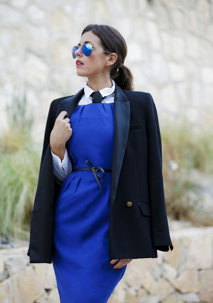 #1sillaparamibolso #1sillaparamibolsodresses #azulklein #rosalitamcgee #vestidoaseral #aw15 #modamujer #fashionfromspain #bluedress #workinggirl #outfit #personaloutfit #workingdayoutfit #tengoestilo