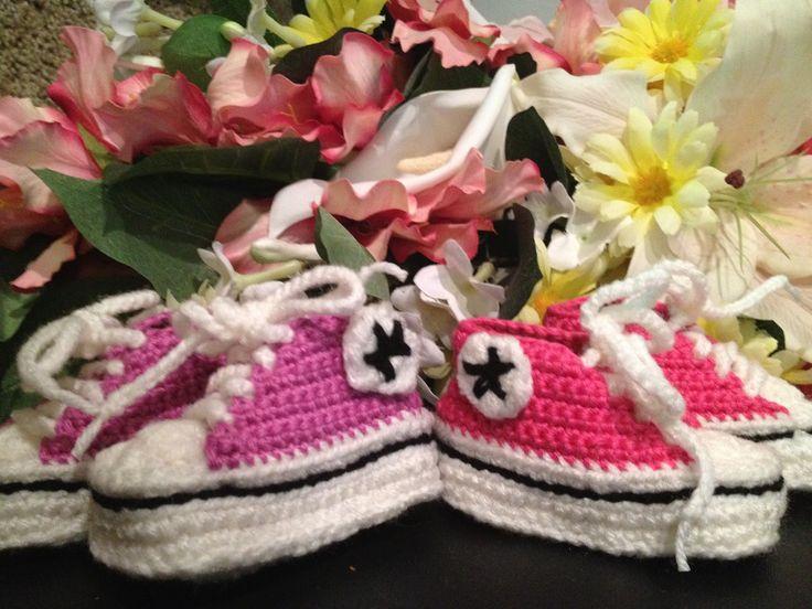 Gehäkelte Baby-Chucks | schoenstricken.de