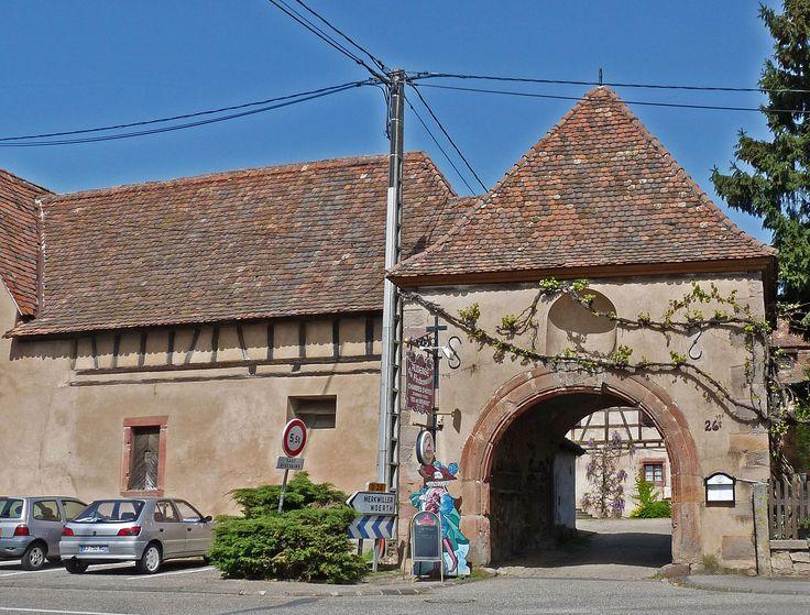 Fichier: Kutzenhausen-Ancienne ferme fortifiée.jpg