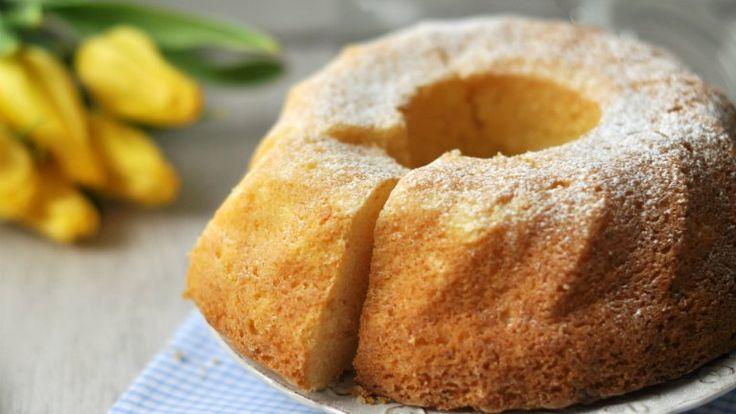 Ha az egyik kedvenc reggeli süteményünkbe, a kuglófba még túró is kerül, akkor biztosak lehetünk benne, hogy az utolsó morzsáig el fog fogyni a...