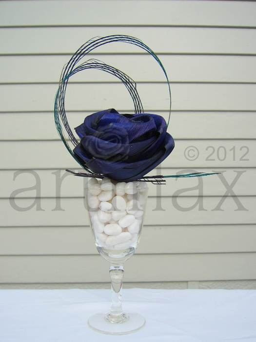 Artiflax - blue flax rose with blue hapene in a vintage etched glass