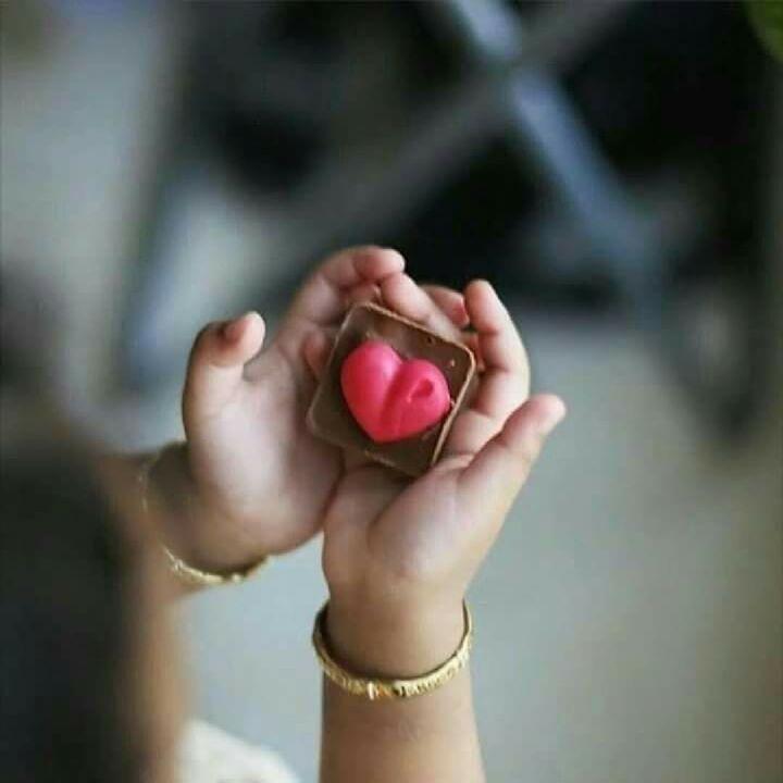 المسافات بين البشر ليست مقترنة بالحدود المسافات الحقيقية بيننا هي مسافات الأرواح قد يحتل روحك شخص بعيدا جدا فيلتصق فيك Crazy Heart I Love Heart Peace And Love